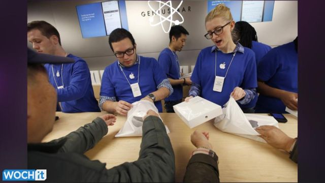News video: Apple To Recruit More Suppliers To Make IPhones, IPads -- WSJ